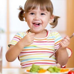 Como ensinar bons hábitos alimentares para as crianças